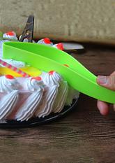 Ніж для нарізання торта