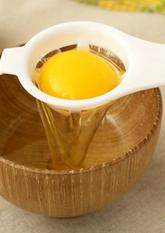 Роздільник білка і жовтка (для кухні)